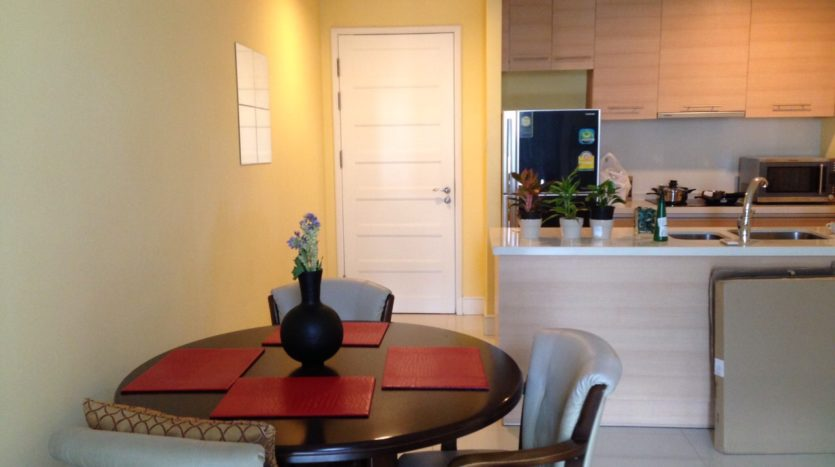 Two bedroom unit for rent in Phrom Phong - Dining