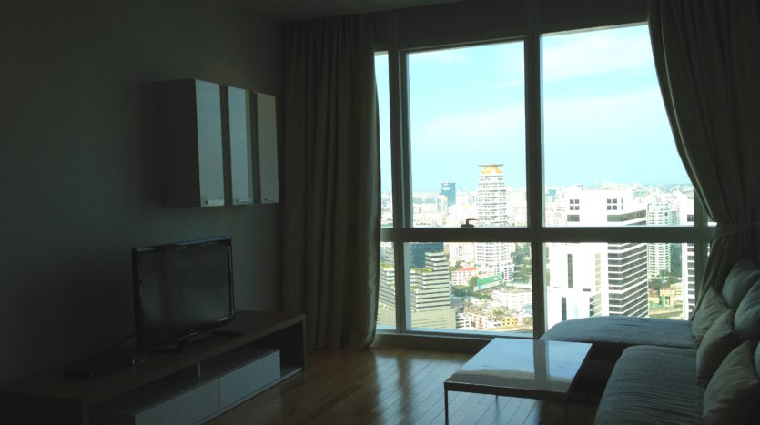 Two bedroom unit for rent in Asoke - Living room