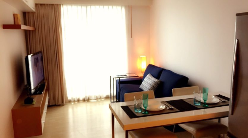One bedroom condo for rent in Thong Lo - Dining/Living area