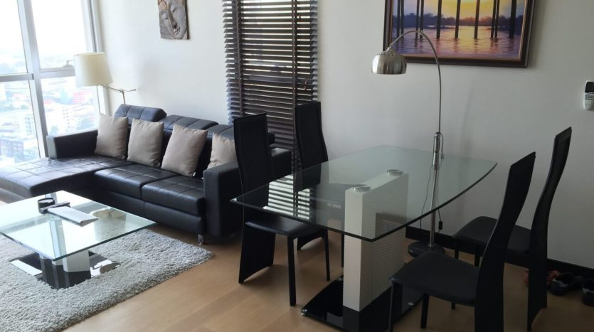 Two bedroom penthouse for rent in phrakanong - Dining/Living area