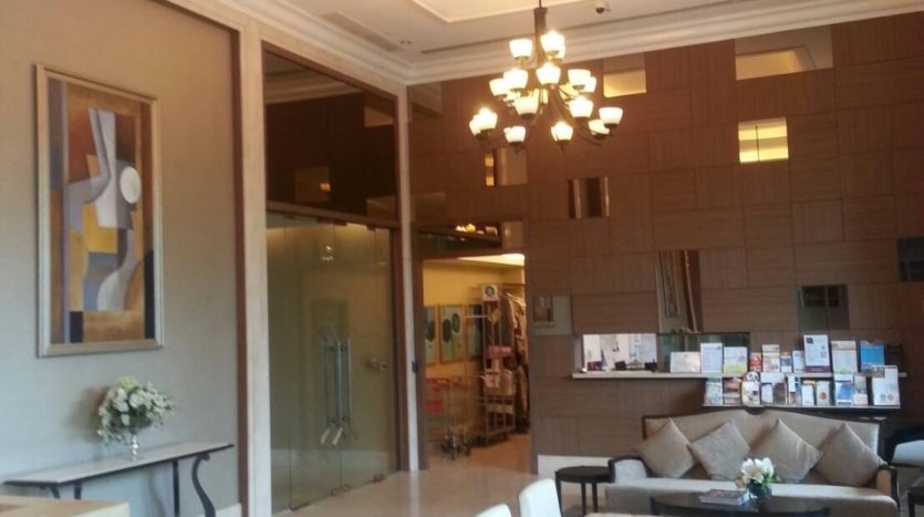 Two bedroom duplex for rent in Asoke - Development entance