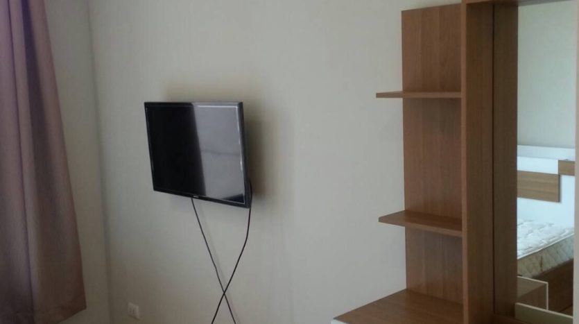 Two bedroom duplex for rent in Asoke - tv