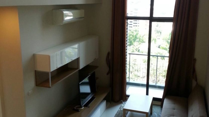 Two bedroom duplex for rent in Asoke - Living room