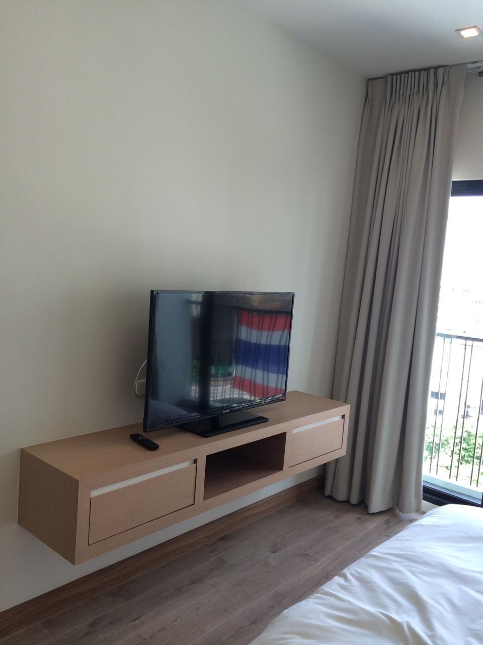 Modern one bedroom corner unit for rent in Ari | ProMove ...