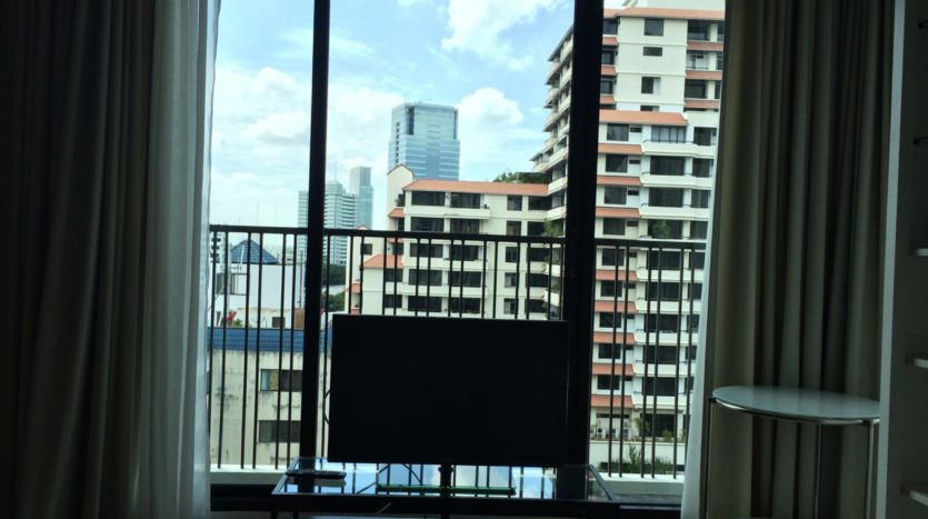 One bedroom condo for rent in Ari - TV