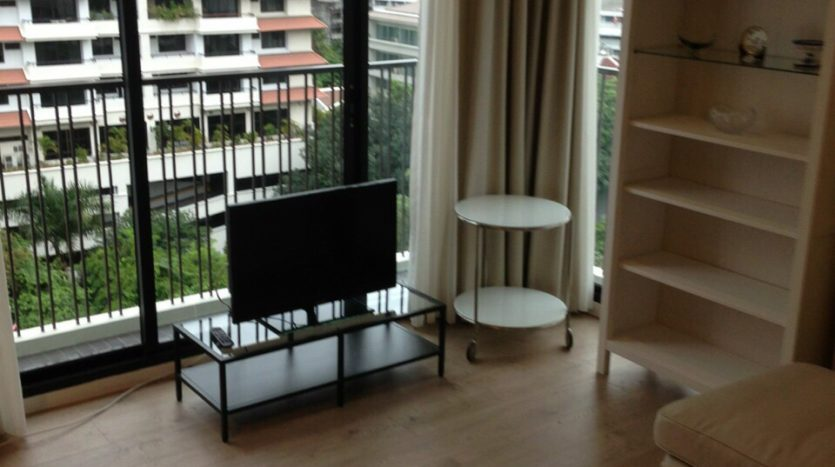 One bedroom condo for rent in Ari - Living area