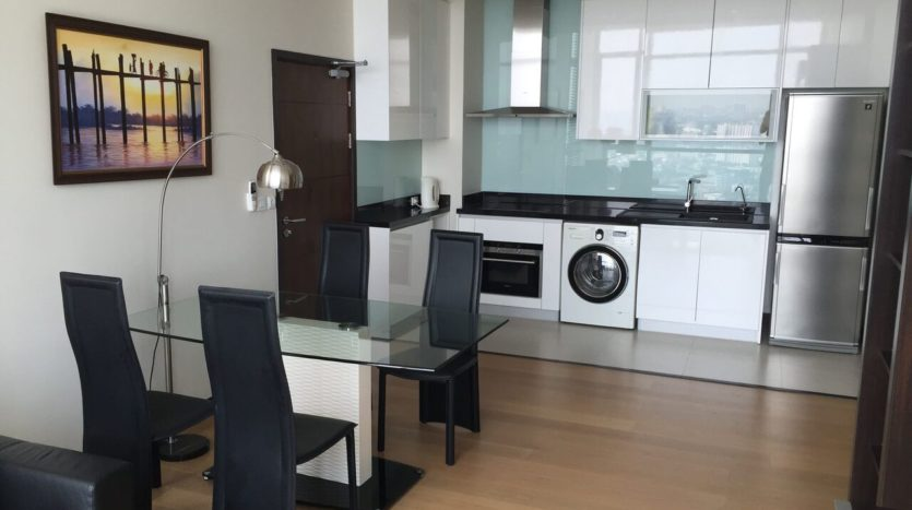 Two bedroom penthouse for rent in phrakanong - Kitchen/Dining area