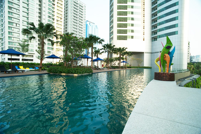 Two bedroom unit for rent in Asoke - Swimming pool