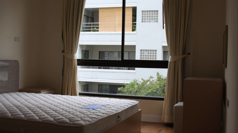 Two bedroom condo for rent on Sukhumvit 31 - Master bedroom