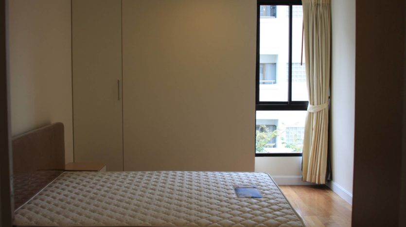 Two bedroom condo for rent on Sukhumvit 31 - Guest bedroom