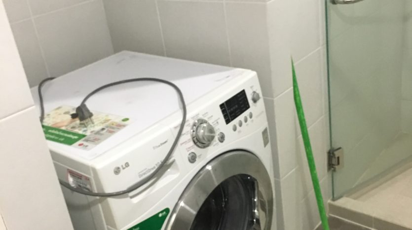 One bedroom condo for rent in Ari - Washing machine