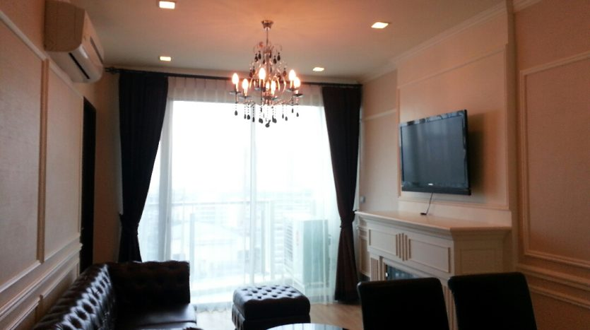 One bedroom condo for rent in Phrakanong - Living room
