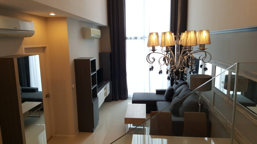 Two bedroom duplex for rent in Asoke - Sofa