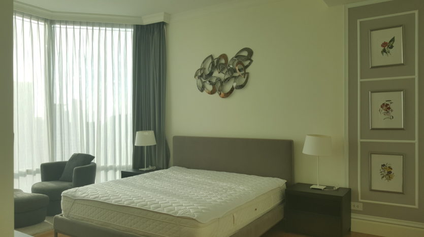 Three bedroom condo for rent in Asoke - Master bedroom