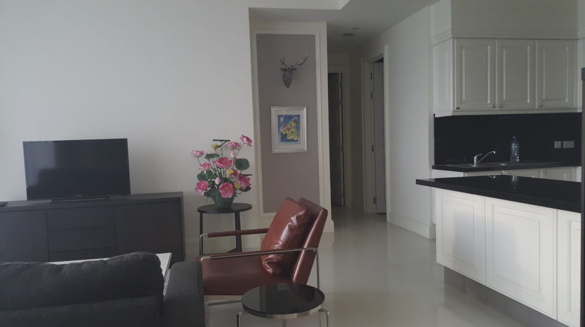 Three bedroom condo for rent in Asoke - Sitting Area