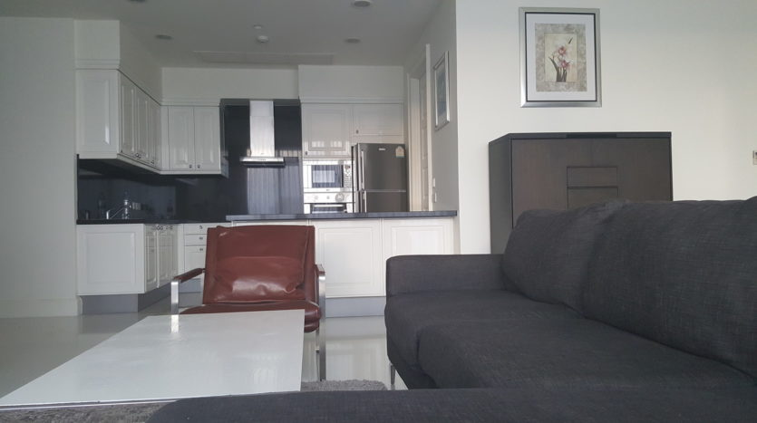 Three bedroom condo for rent in Asoke - Sofa