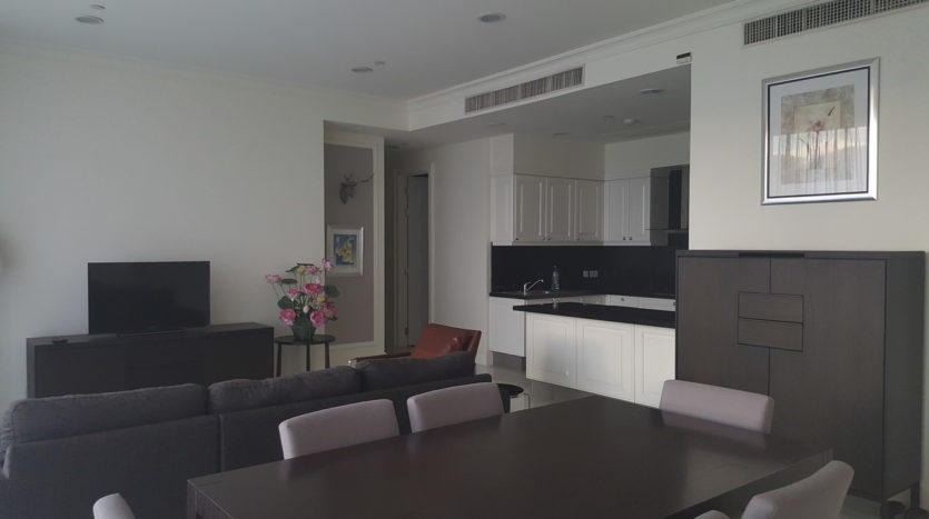 Three bedroom condo for rent in Asoke - Dining