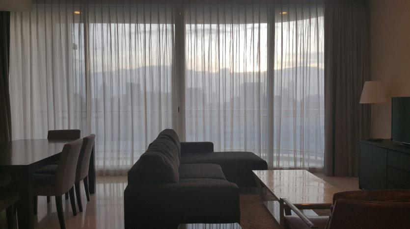 Three bedroom condo for rent in Asoke - Living room