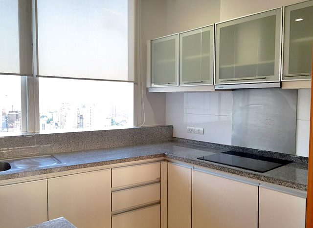 Two bedroom property for rent in Asoke - Kitchen side