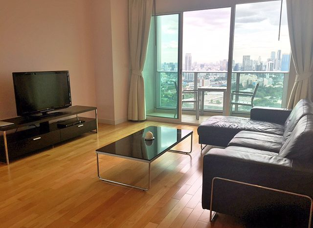 Two bedroom property for rent in Asoke - Living room