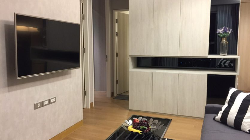 One bedroom condo for rent in Phrom Phong - TV