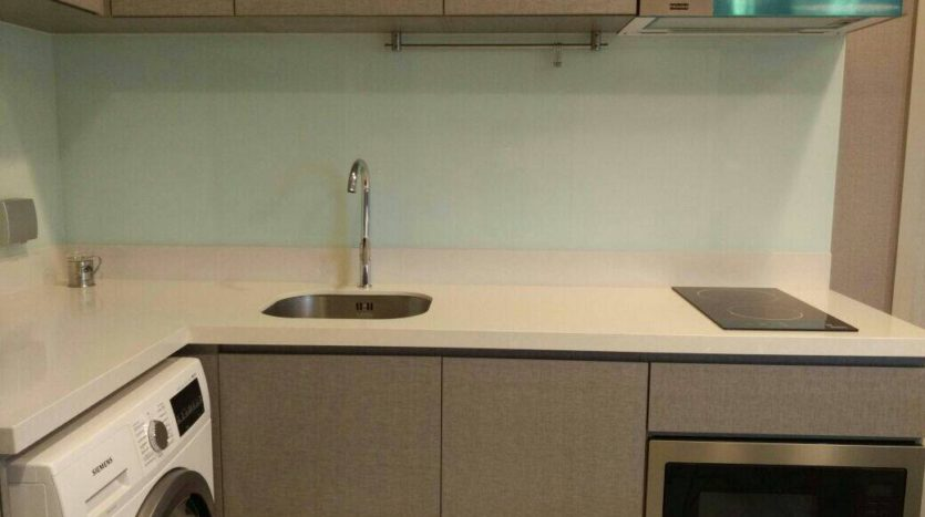 Two bedroom unit for rent in Thong Lo - Kitchen