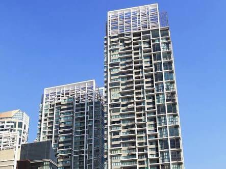 One bedroom duplex for rent in Phrom Phong - Building