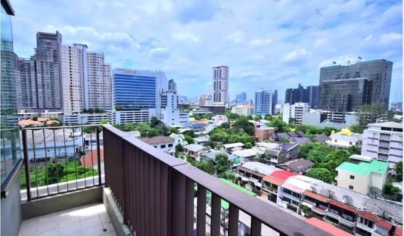 Luxurious three bedroom duplex for rent in Phrom Phong - Balcony view