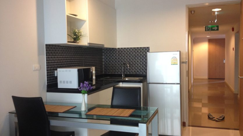 One bedroom unit for rent in Thong Lo - Kitchen/Dining
