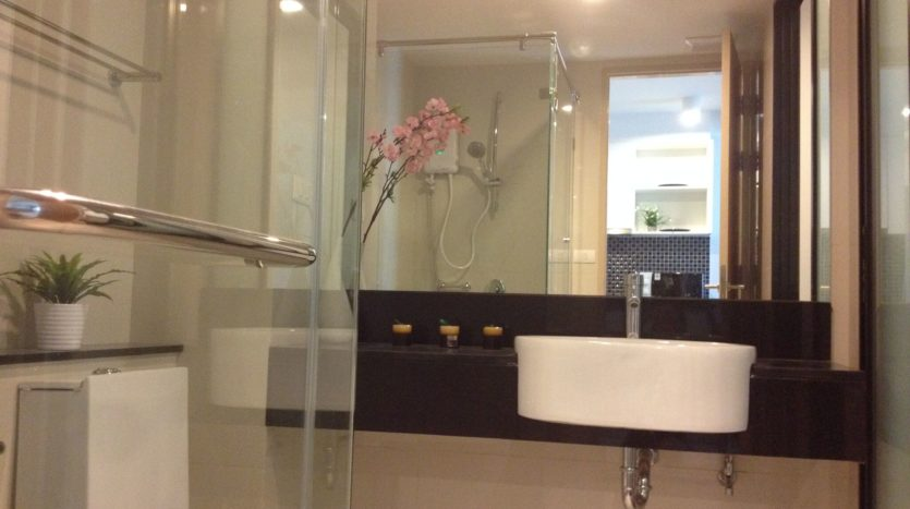 One bedroom unit for rent in Thong Lo - Bathroom