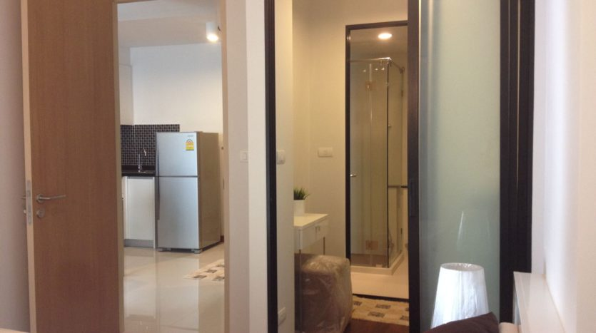 One bedroom unit for rent in Thong Lo - Walk in closet