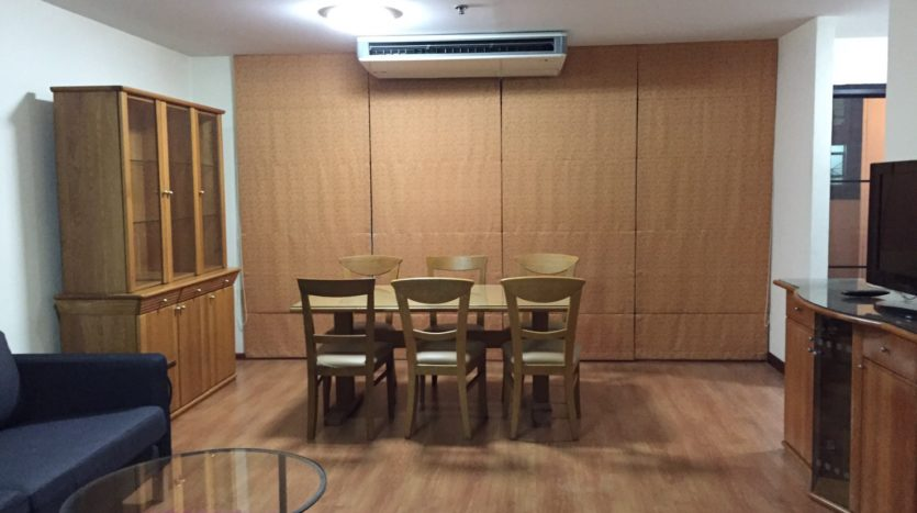 Three bedroom condo for rent in Thong Lo - Living room