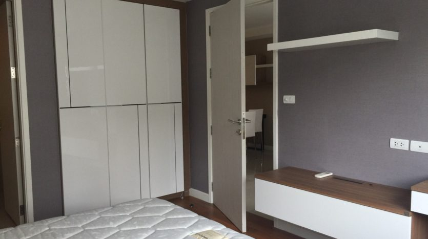 Two bed condo for rent in Ekamai - Master bedroom