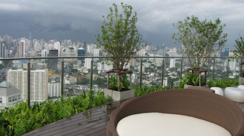 One bedroom condo for rent in Phrakanong - Roof deck