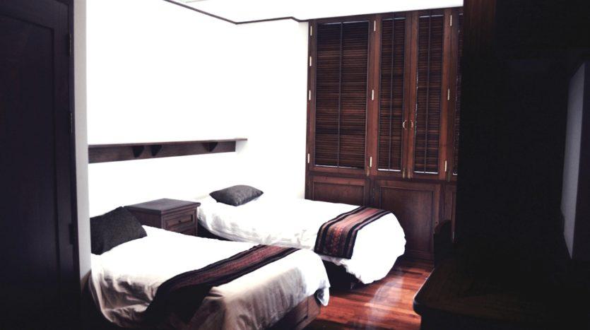 Two bedroom condo for rent in Langsuan - Second bedroom