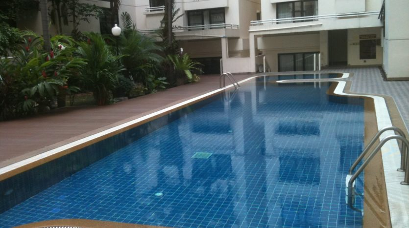 Two bedroom condo for rent in Thong Lo - Swimming pool
