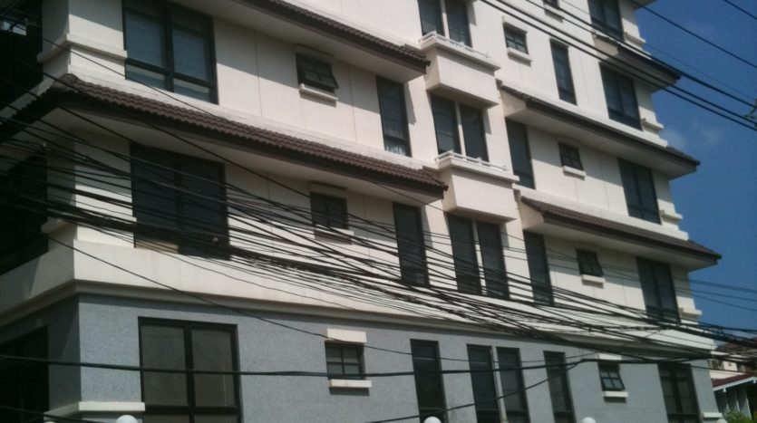 Two bedroom condo for rent in Thong Lo - Building