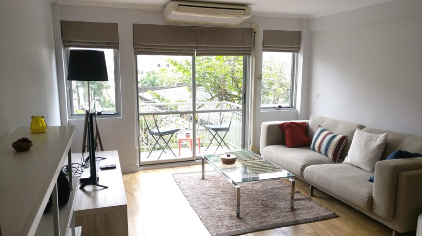 Two bedroom condo for rent in Thong Lo - Living room