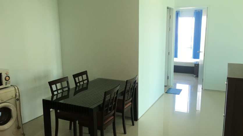 Two bedroom condo for rent in Ari - Entrance