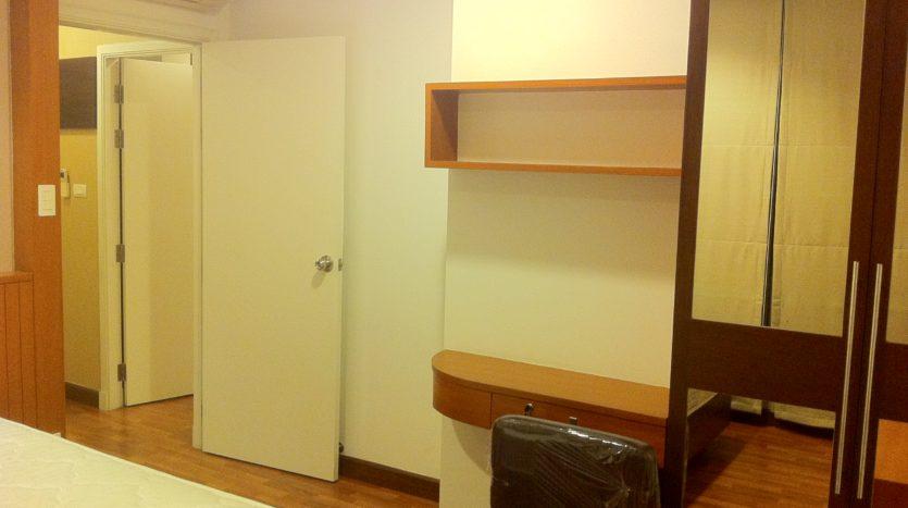 Two bedroom corner unit for rent in Ari - Master bedroom