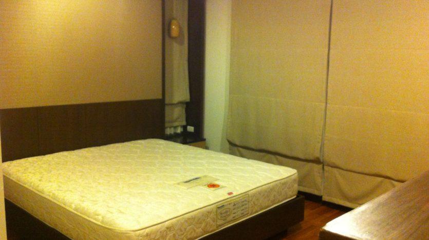 Two bedroom corner unit for rent in Ari - Second bedroom
