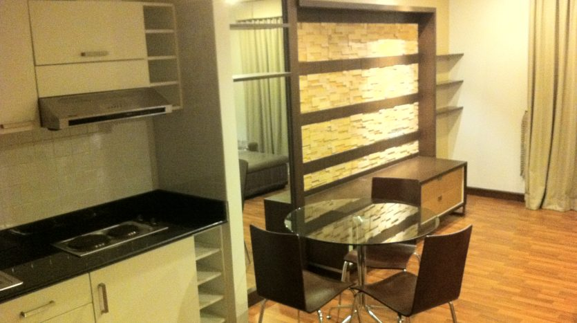 Two bedroom corner unit for rent in Ari - Dining