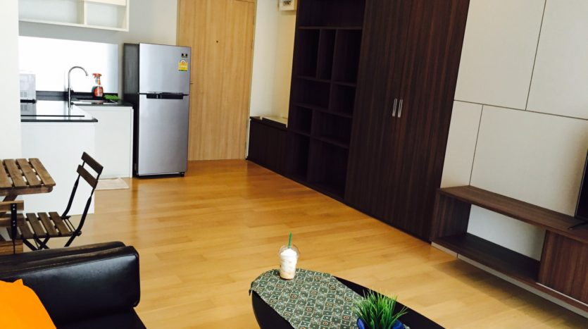 One bedroom condo for rent in Ari - Coffee Table