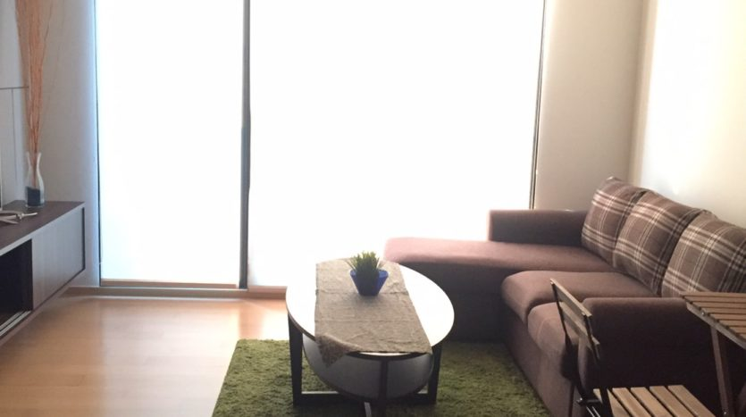 One bedroom condo for rent in Ari - Sofa