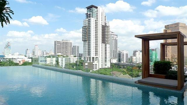 Two bedroom condo for rent in Phrom Phong - Pool