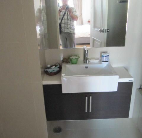 One bedroom unit for rent in Ari - Sink