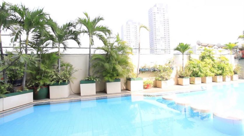 Three bedroom condo for rent in Thong Lo - Pool