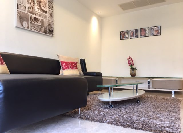Two bedroom unit for rent in Thong Lo - Sofa