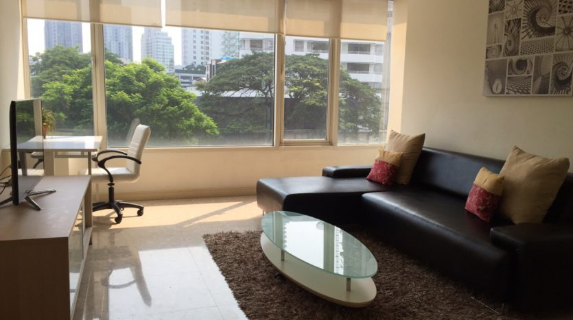 Two bedroom unit for rent in Thong Lo - Living room