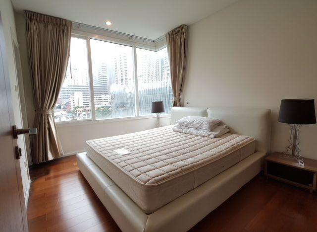 Two bedroom condo for rent in Asoke - Master bedroom